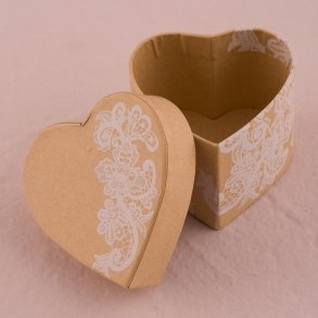 Heart Kraft Paper Favour Box with Vintage Lace Print