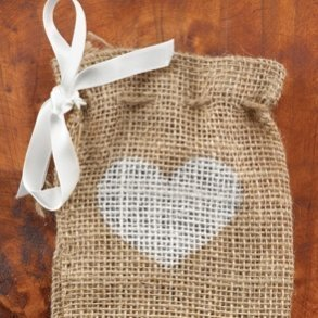 Burlap Heart Favour Bags - Pack of 25