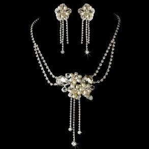 Dangling Pearl Floral Necklace Set