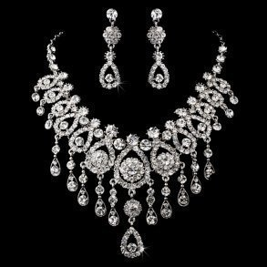 Eye Catching Swarovski Crystal Necklace Set