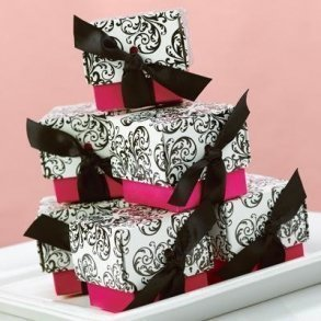 Fuchsia Filigree Favour Boxes