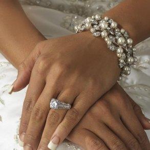 Silver Ivory Stretch Pearl Bracelet