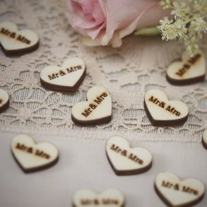 Mr & Mrs Wooden Heart Confetti