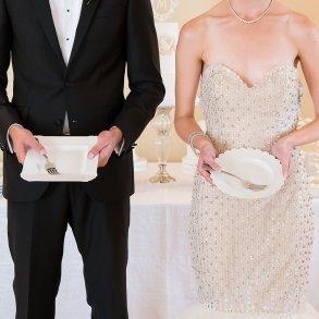 Newlywed Cake Ceremony Set