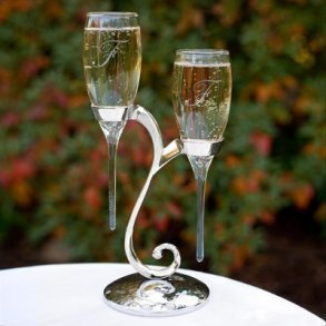 Raindrop Toasting Flutes With Stand