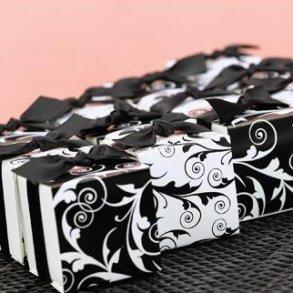 Reversible Flourish Wrap Favour Boxes