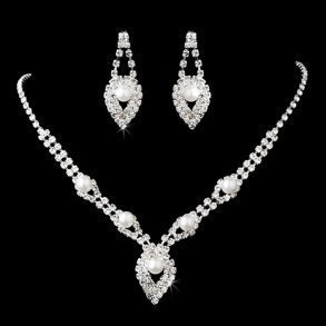 Rhinestone & Pearl Pendant Necklace Set