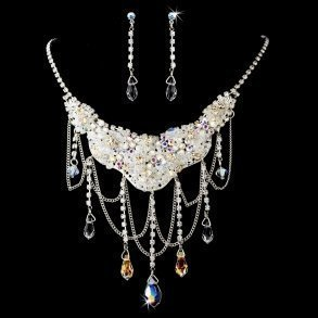 Stunning Sparkling Crystal Necklace & Earring Set