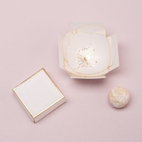 Surprise Bloom Flower Wedding Favour Box