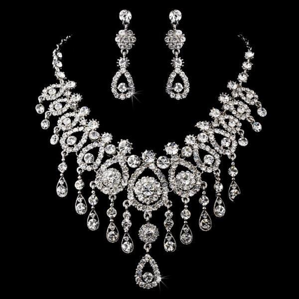 Eye Catching Swarovski Crystal Necklace Set