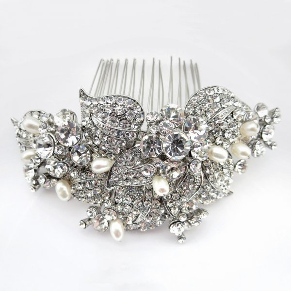 Antique Rhodium Silver Rhinestone And Freshwater Pearl Comb