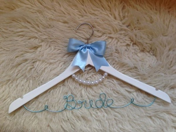 Audrey Pearl Coat Hanger With Bow Decoration